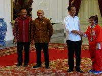Sri Wahyuni Langsung Cium Tangan Jokowi