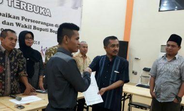 Aria Suryadinata : Segala Puji Bagi Allah SWT Ade Whardana Lolos Sebagai Calon Bupati 2018 di Pleno KPU