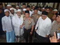Kapolresta Depok Sholat Jumat Bersama Kapolri di Majelis Taklim Al Habib Abubakar Alatas Azabidi