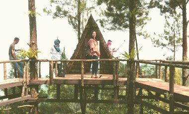 Pengunjung Wisata Pabangbon Keluhkan Harga Tiket Masuk dan Karcis