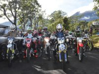Kapolda Jabar Gunakan Kendaraan Trail dalam Lakukan Kunjungan ke Desa Terpencil