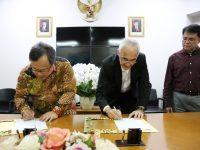 Penandatanganan Nota Kesepahaman Tentang Solusi Bersama Kota dan Wilayah Yang Berkelanjutan di Indonesia