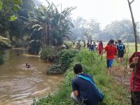 Danramil 2119/Parung Panjang Prakarsai Giat Karyabhakti di Bantaran Sungai Rancabelut