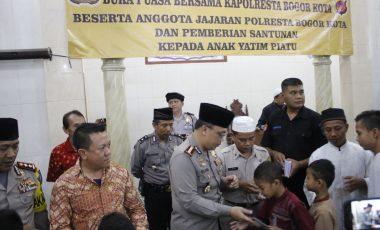 Kapolresta Bogor Kota Santuni 200 Anak Yatim di Acara Buka Bersama