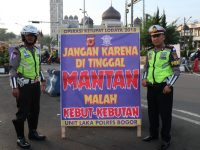 Sat Lantas Polres Bogor Design Unik Papan Himbauan dan Peringatan Bagi Pengguna Jalan
