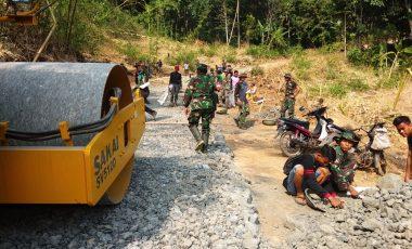 TMMD ke 102 Komitmen TNI Bangun Daerah Terisolir