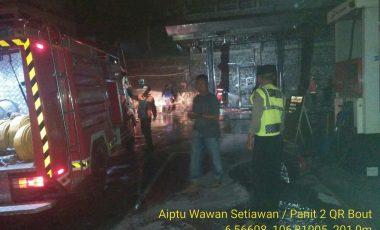 Polsek Bogor Utara dan Jajaran Sat Lantas Polresta Bogor Kota Lakukan TPKP Terkait Kebakaran SPBU