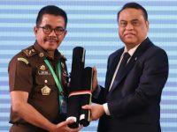 Kabadiklat Setia Untung Raih Penghargaan Zona Integritas Dari Presiden