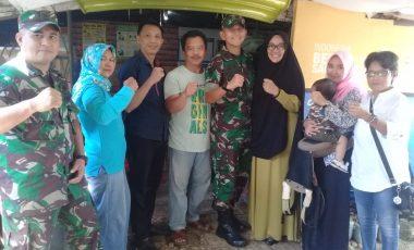 Danyonif 315/Garuda Didampingi Ketua Persit KCK Cab. XLIV Kunjungi Bank Sampah Warung Jambu Bersih
