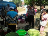 Polsek Jonggol Bakti Sosial Salurkan Air Bersih ke Warga