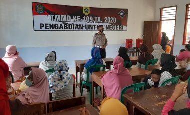 Berikan Penyuluhan Hukum kepada Warga Wujud Sinergitas TNI-Polri di Lokasi TMMD