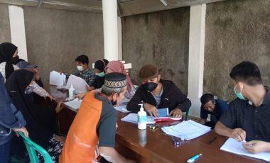 Serka Sutarman Bantu dan Awasi Pendistribusian Kartu Keluarga Sejahtera Dari Bank Mandiri