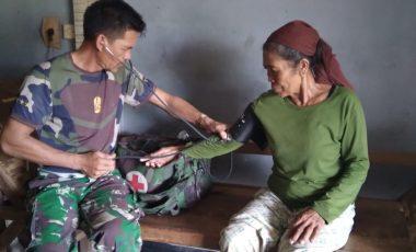 Satgas TMMD Lakukan Komsos Kesehatan Dengan Warga Desa Bojong