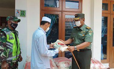 Dandim 0606/KB Salurkan Bantuan Sosial Dari Setpres RI