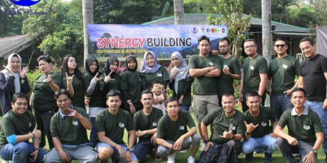 Gathering Tim Call Center PDAM Tirta Pakuan di Villa Aom Megamendung