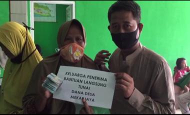 246 Warga Terima BLT Bersumber Dana Desa disalurkan di Desa Mekarjaya Rumpin