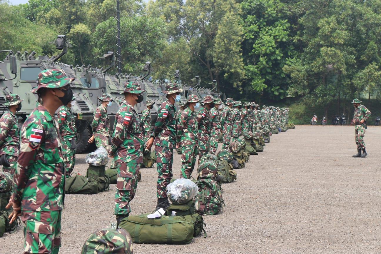 Letkol Arm Aris Gunawan Pimpin Apel Gelar Kesiapan Pasukan Yonarmed 10 yang Akan Laksanakan Latma Garuda Shield di Puslatpur Baturaja Sumsel.